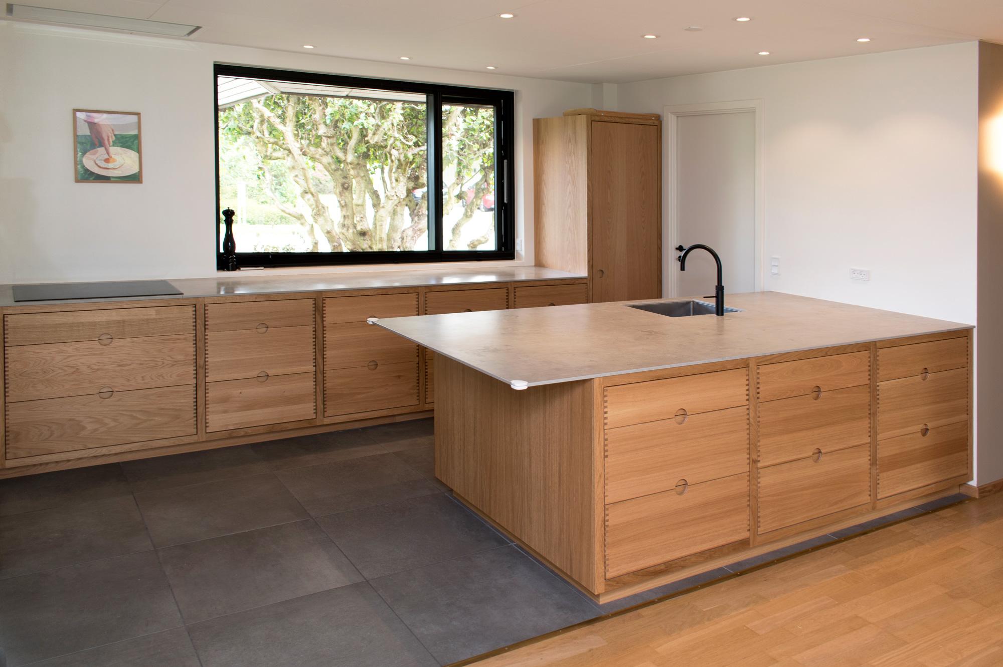 Rustikt rammekøkken med fine detaljer